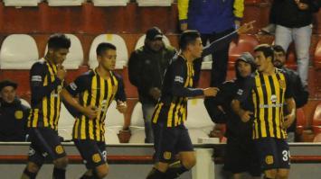 """""""El Canalla"""" ganó 1 a 0 a Cañuelas y pasó de ronda."""
