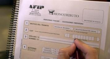 Monotributo: a fin de mes vence plazo para usar facturas viejas