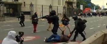 Policía de la Ciudad desalojó el piquete en la 9 de Julio con gases y balas de goma