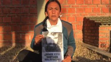 Video: Milagro Sala les pregunta a los gendarmes por Santiago Maldonado cuando se reporta en su casa
