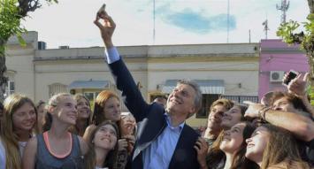 Con actos en Ferro y Rosario, Macri encabeza cierres de campaña