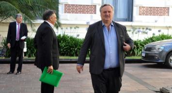 Vidal mandó a De la Torre a Olavarría para evitar la destitución de Galli