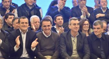 Randazzo en crisis: sus intendentes exploran acuerdos con Cristina, Massa y Vidal