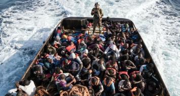 Italia amenazó a la UE con cerrar puertos a buques de rescate tras masiva oleada de inmigrantes