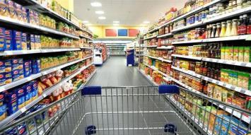 El consumo siguió sin reacción en abril: ventas en shopping cayeron 8,9% y en súper 1,7%