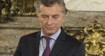 Denunciaron a Macri y parte del gabinete por el bono a 100 años