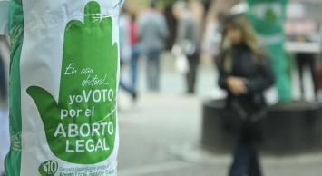 """""""Tuitazo"""" y manifestación frente al Congreso para reclamar por el aborto"""