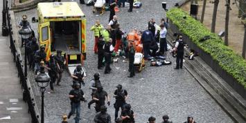 Cuatro muertos y 20 heridos en un ataque al Parlamento de Londres