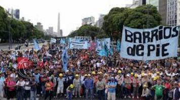 Organizaciones sociales se sumaron a la marcha convocada por la CGT