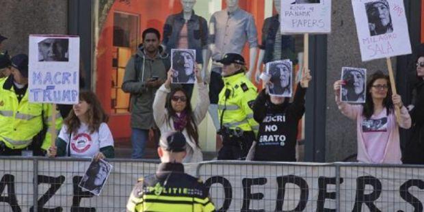 Escracharon a Macri en Holanda