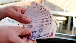 Esperan que se acelere la devaluación del peso en la segunda parte del año