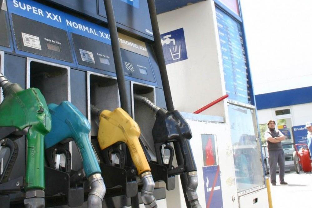 Sin respiro: aseguran que la nafta y el gasoil subirán en marzo por el impacto de la Reforma Tributaria