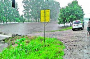 La tormenta dejó 70 evacuados, tres rutas cortadas y 3.500 hogares sin luz