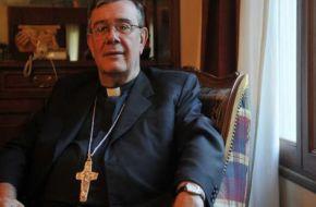 Los católicos se unen para repudiar la representación de la Virgen abortando frente a la Catedral