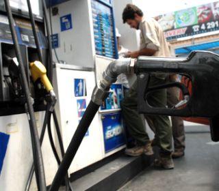 Después del tarifazo de los combustibles, anuncian que habría otro en octubre