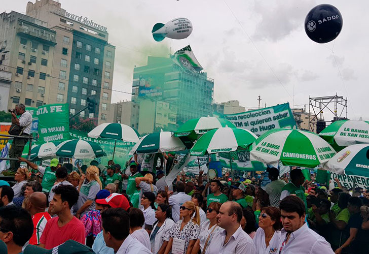 Tras la marcha de Moyano, el Gobierno busca cambiar la distribución de fondos a las obras sociales