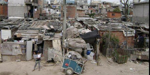 La mitad de las familias argentinas vive con menos de $ 533 por día