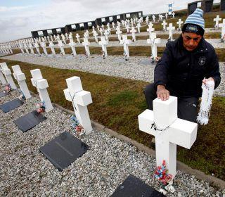 Guerra de Malvinas: Familiares de caídos viajan a reconocer las tumbas