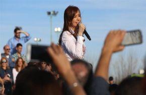 """Cristina advirtió que quieren """"criminalizar a los jóvenes"""""""