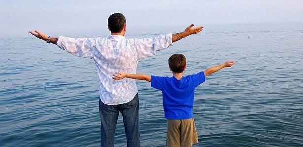Tener hijos alarga la vida, más en hombres