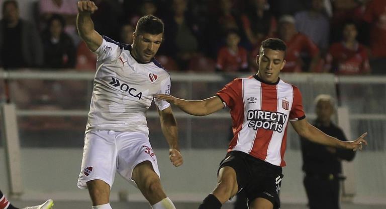 Independiente y Estudiantes obtuvieron un empate que no los conforma