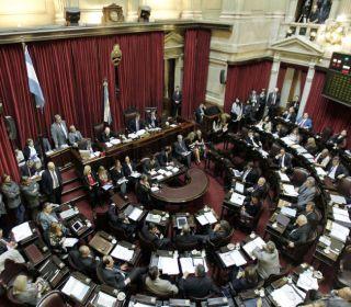 Cambiemos sumaría 8 bancas y el FPV perdería 6 en el Senado según las PASO