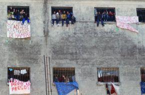 El Gobierno vinculó al kirchnerismo con la protesta de los presos en la cárcel de Devoto