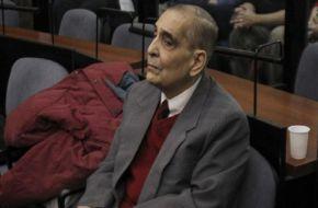 El Tribunal que le otorgó prisión domiciliaria a Etchecolatz le dio vacaciones a otro represor