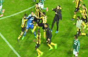 Palmeiras le dio una mano al Deca y le ganó a Peñarol en Montevideo. (Video)