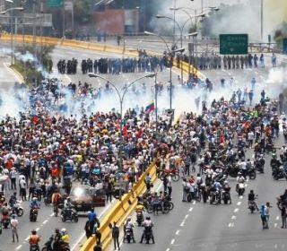 Maduro acusó a Washington de un posible golpe de estado y activó un plan militar