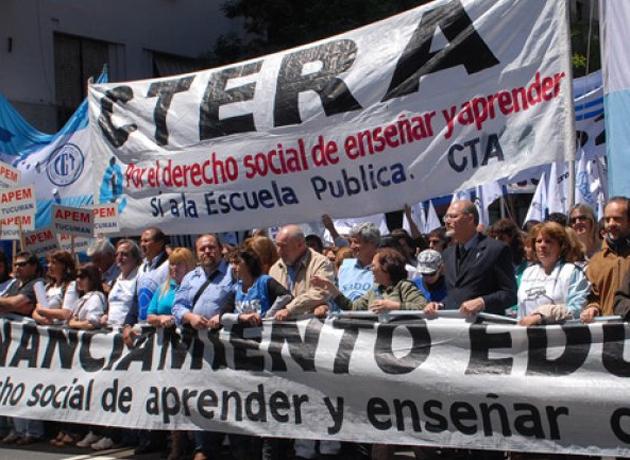 """CTERA, en guerra por el decreto que eliminó la paritaria: """"El Gobierno viola nuestro convenio colectivo"""""""