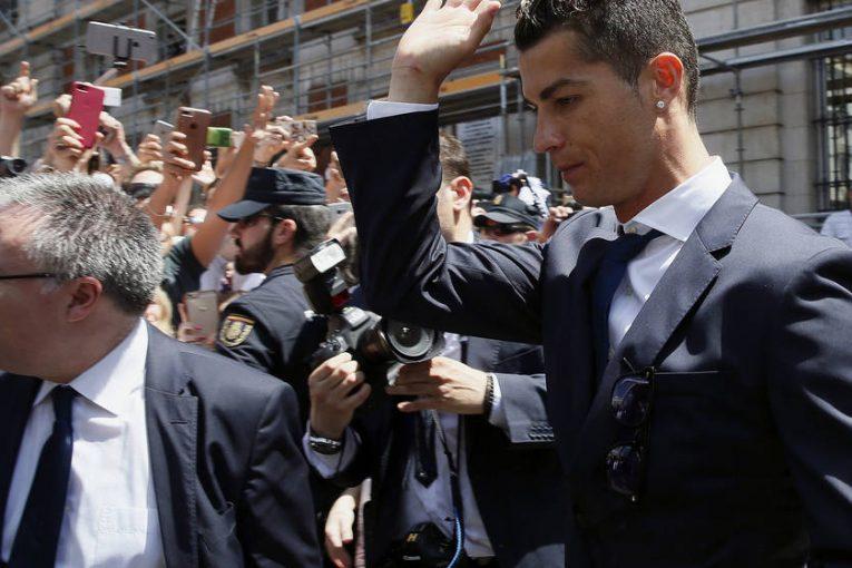 Cristiano Ronaldo fue denunciado por fraude fiscal en España por un monto tres veces superior al de Messi