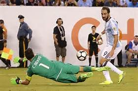 """Higuaín contestó la pregunta más incómoda que le hicieron en su carrera: """"¿Sos mufa en las finales?"""""""