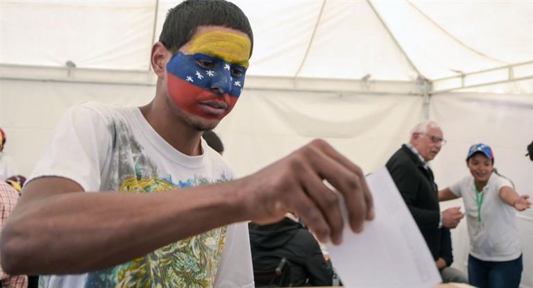 La oposición venezolana define su estrategia luego de que más de 7 millones votaran en plebiscito