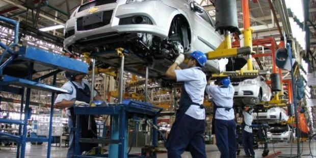 Tras 15 caídas consecutivas, la industria creció un 2,7% en mayo