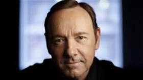 "Ocho asistentes acusan a Kevin Spacey de ser un ""depredador sexual"" en ""House Of Cards"""