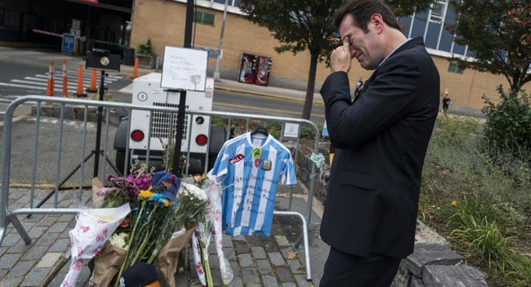 Familiares de las víctimas del atentado llegaron a Nueva York y comenzaron a reconocer los cuerpos