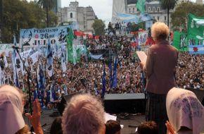 Día de la Memoria: comenzaron las marchas a Plaza de Mayo
