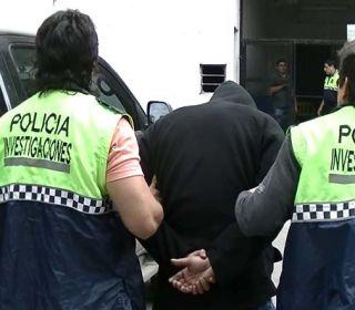 Detienen a un policía por estafar a aspirantes a la fuerza
