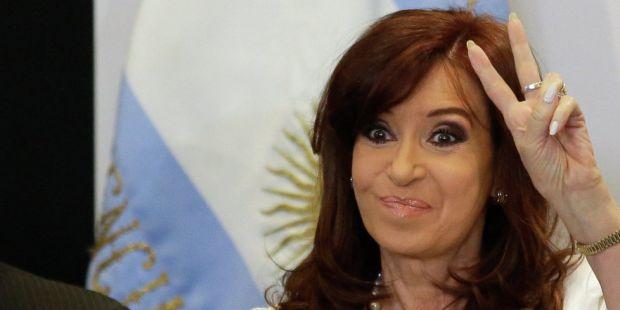 """CFK: """"No es sostenible este endeudamiento"""""""