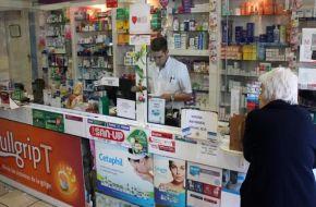 Amenazan cortar los descuentos en medicamentos para jubilados