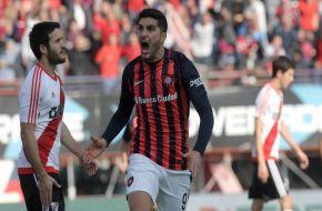 San Lorenzo le ganó a River y le dejó servido el campeonato a Boca (Video).