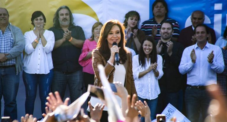 "Cristina denunció que ""la salud pública se está desplomando"""