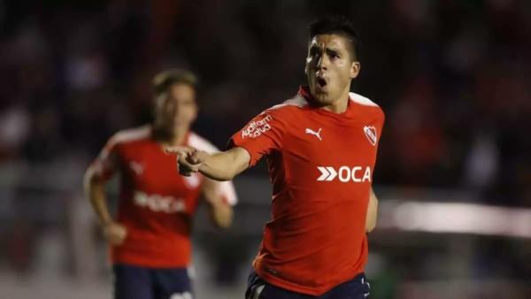 Atlético estuvo a un penal de pasar de ronda. Perdió 2 a 0 con Independiente en Avellaneda.
