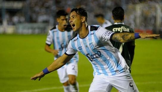 Atlético visita a Colón en busca de una victoria