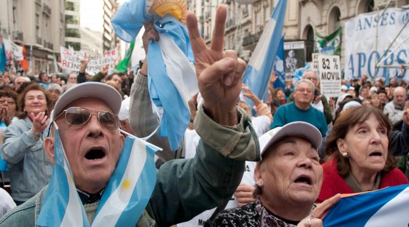 """Según una encuesta, el 85% de los argentinos cree que la reforma previsional """"es mala"""""""