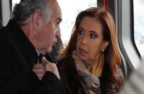 La transcripción completa de la nueva presunta escucha entre CFK y Parrilli