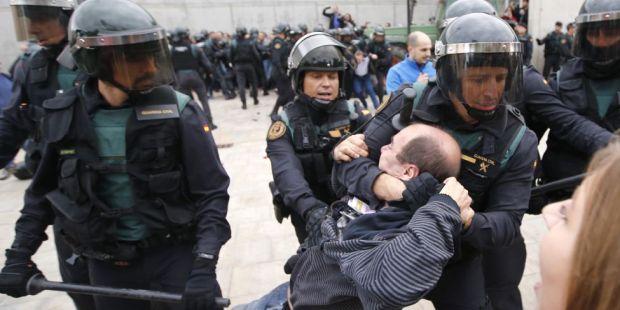 Gobierno catalán abre las puertas de la separación con un apoyo del 90%