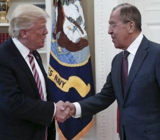Donald Trump y la información clasificada que no debió revelar: ¿qué les dijo a los rusos?