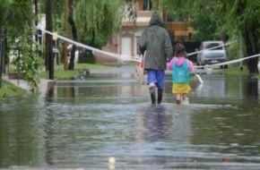 Más de 8000 evacuados en siete provincias y persiste la lluvia en varios pueblos